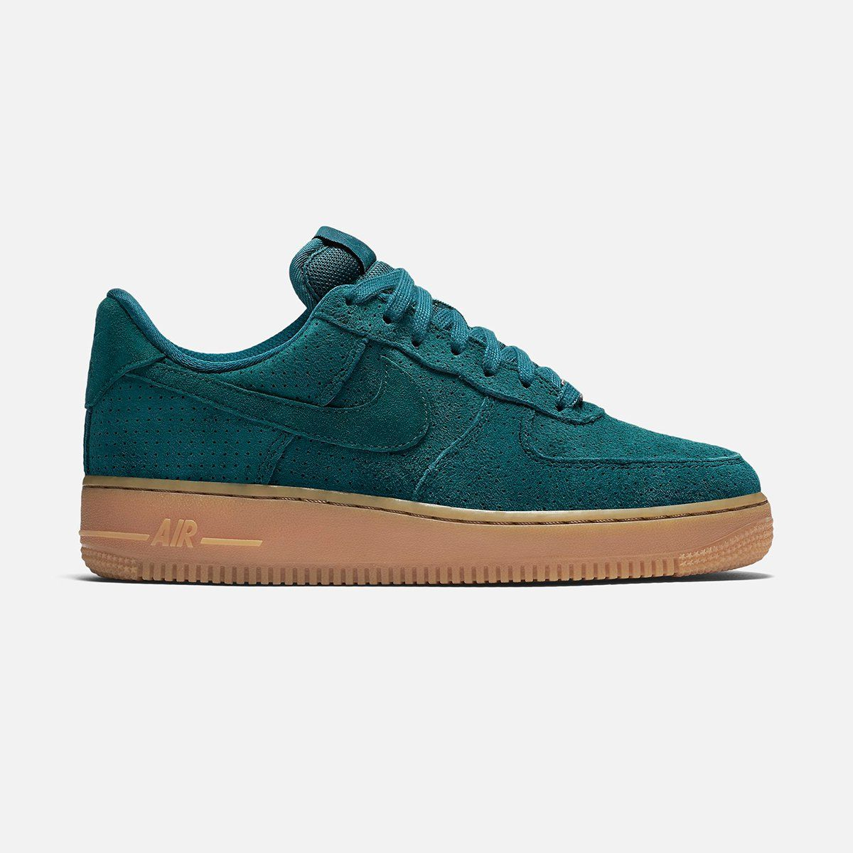 The Nike Air Force 1 '07 Suede Women's Shoe revamps the 1982 basketball  original with