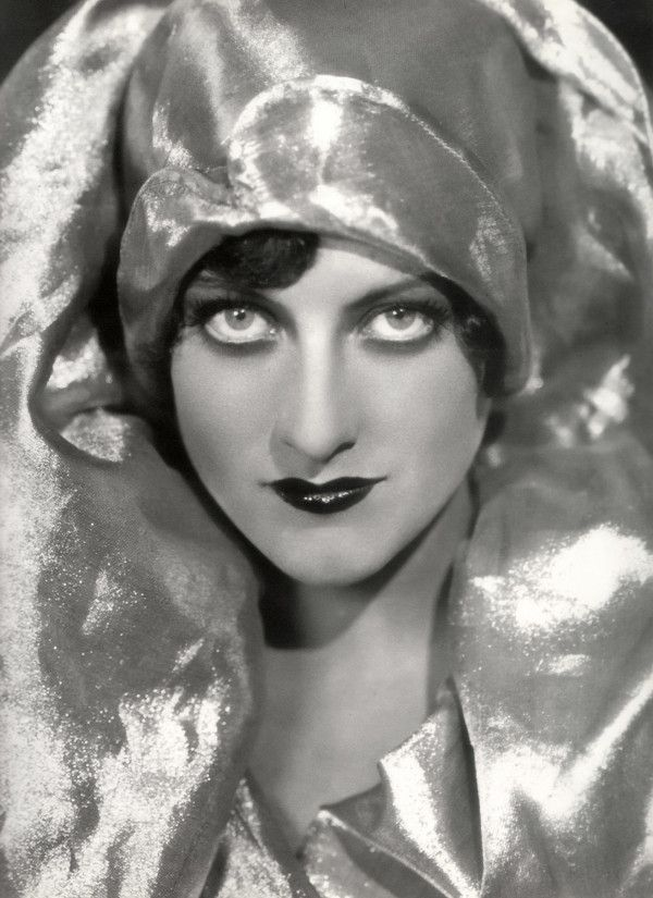 The eyes are the Scorpio Rising indicators. Above is Aries screen legend Joan Crawford
