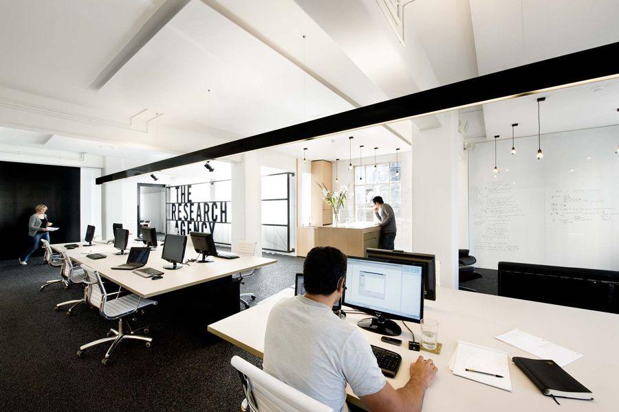 Maravillosos los espacios que diseña Jose Gutiérrez, a quién no le gustaría trabajar o vivir en unos sitios como estos?. Más espac...