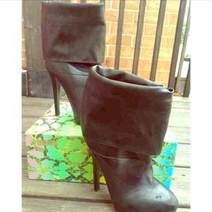 I just discovered this while shopping on Poshmark: Black Fold Over Heeled Bootie. Check it out!  Size: 6.5