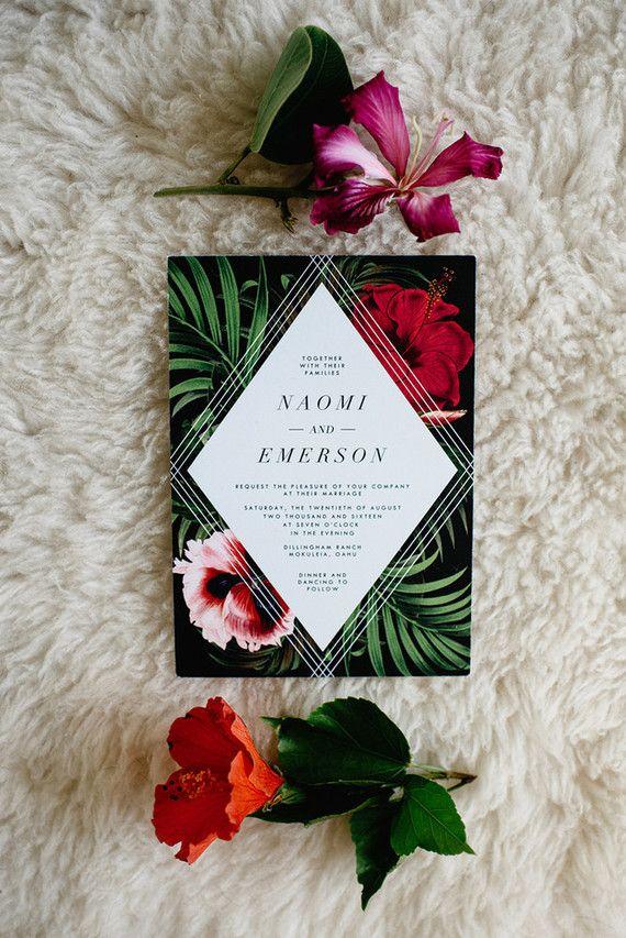 Einladungskarten Für Die Hochzeit   Tropische Inspiration Mit Bunten Blumen  Und Palmen.