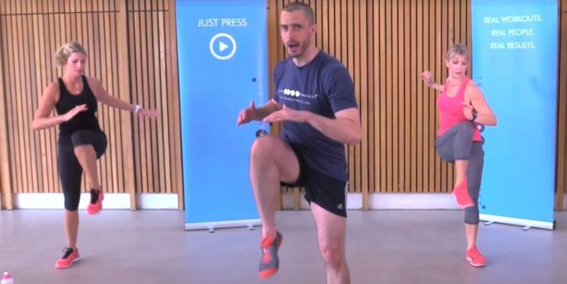 Spokojny Trening Dla Poczatkujacych W Domu Lapiacych Forme Ball Exercises Exercise Gym
