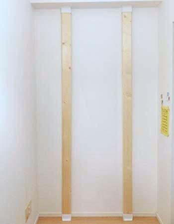床側から柱を据え付け 天井側をスライドさせて突っ張らせて取り付けます 裏技 柱 賃貸diy