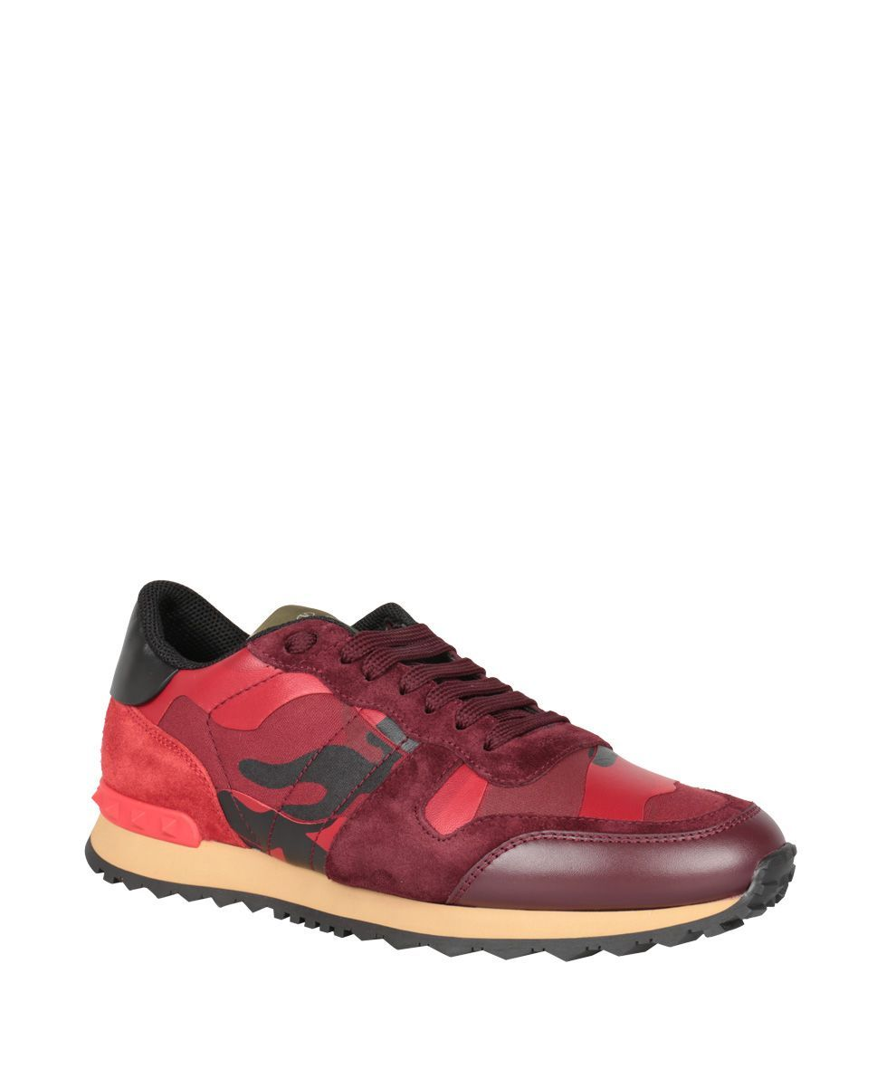VALENTINO ROCKRUNNER CAMOUFLAGE LEATHER SNEAKERS. #valentino #shoes #
