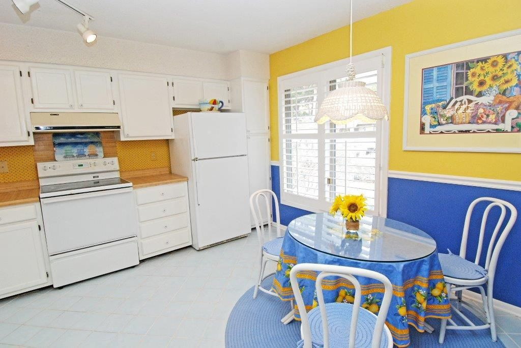 3 bedroom 2 bath beach cottage  ideal for a vacation