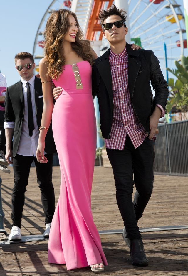 Triple Ring Illusion Plunge Dress OH MY LORDY! Hello Thomas & Colton ...