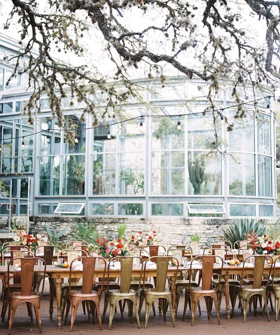 21 Unique & Extraordinary Wedding Venues In Austin