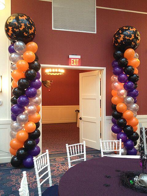 Balloon arches columns halloween balloon columns for Balloon decoration for halloween