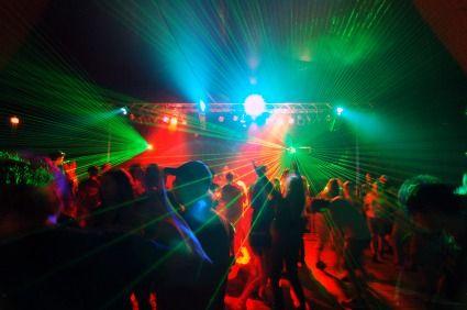 ночной клуб для 16 летних