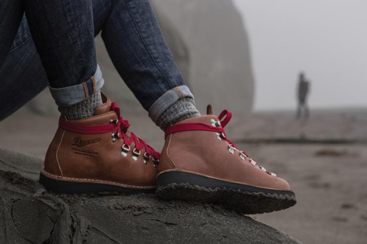 You Can Get 40 Off Danner Boots Women S Stumptown