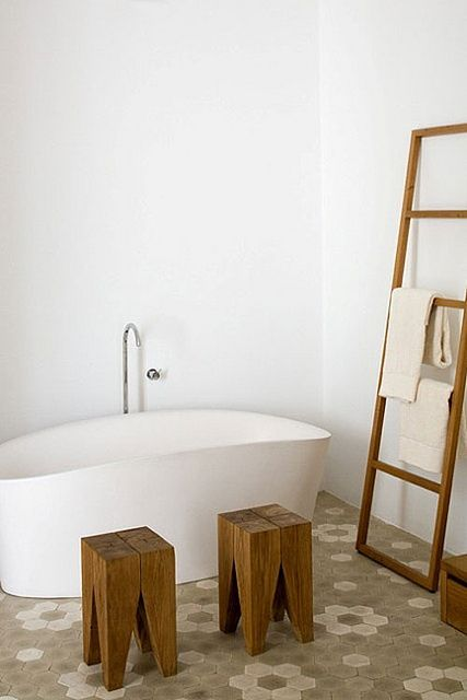 Leaning Ladder Wood Stools By Tub