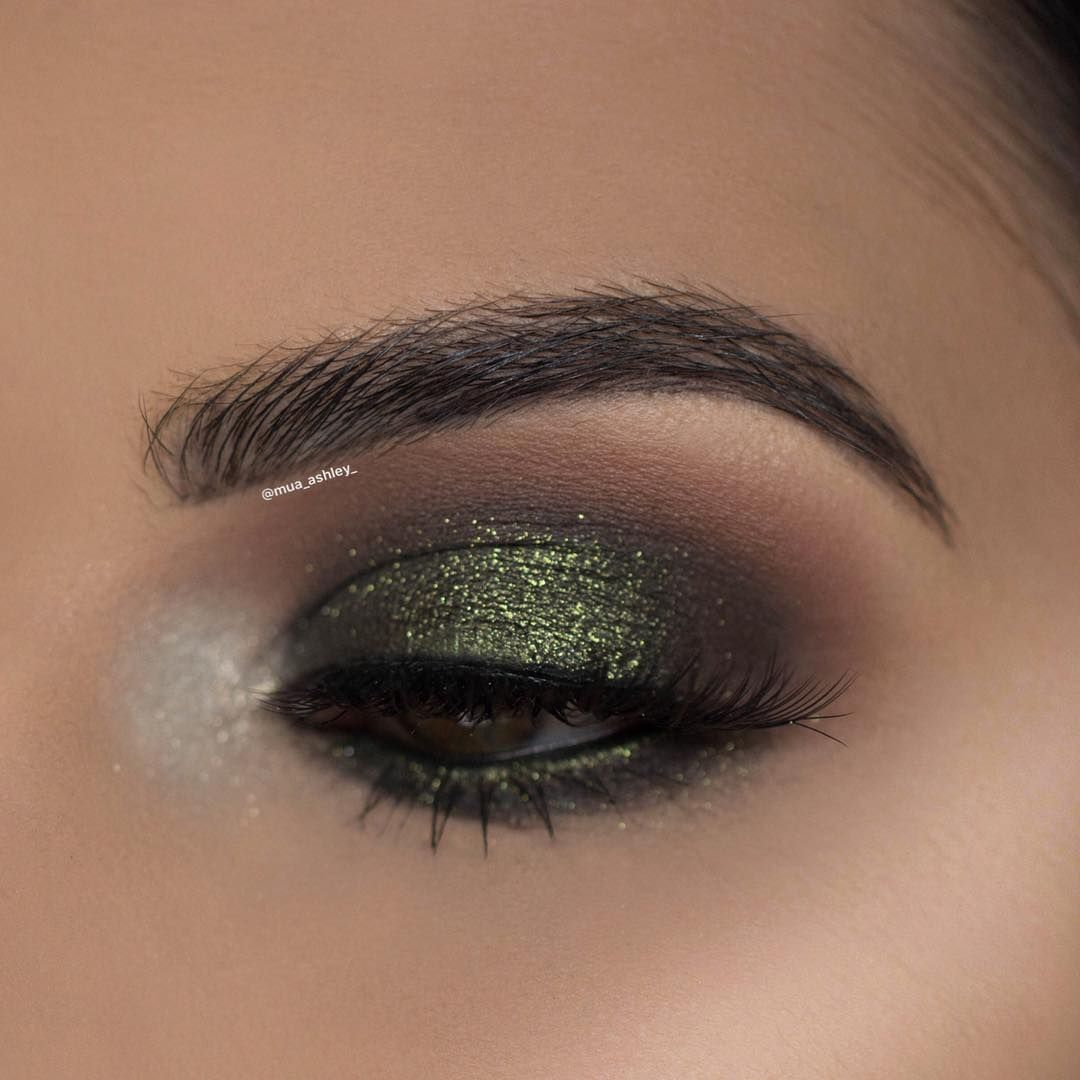 Ashley Rosales On Instagram A Close Up Of The Eye Look From The Tutorial I Posted Earlier Products U Makeup For Green Eyes Olive Skin Makeup Darker Lashes