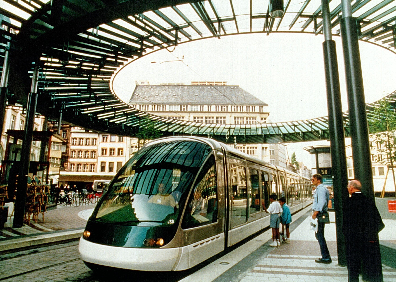 tramway strasbourg alsace france pinterest tren transporte et tranvias. Black Bedroom Furniture Sets. Home Design Ideas