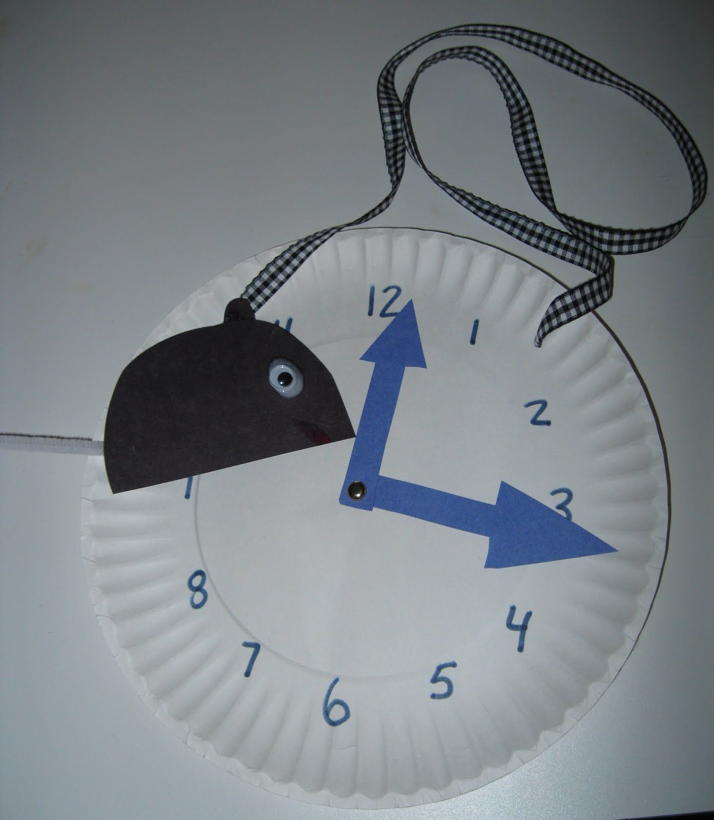 Hickory Dickory Dock Craft With Paper Plate Clock To