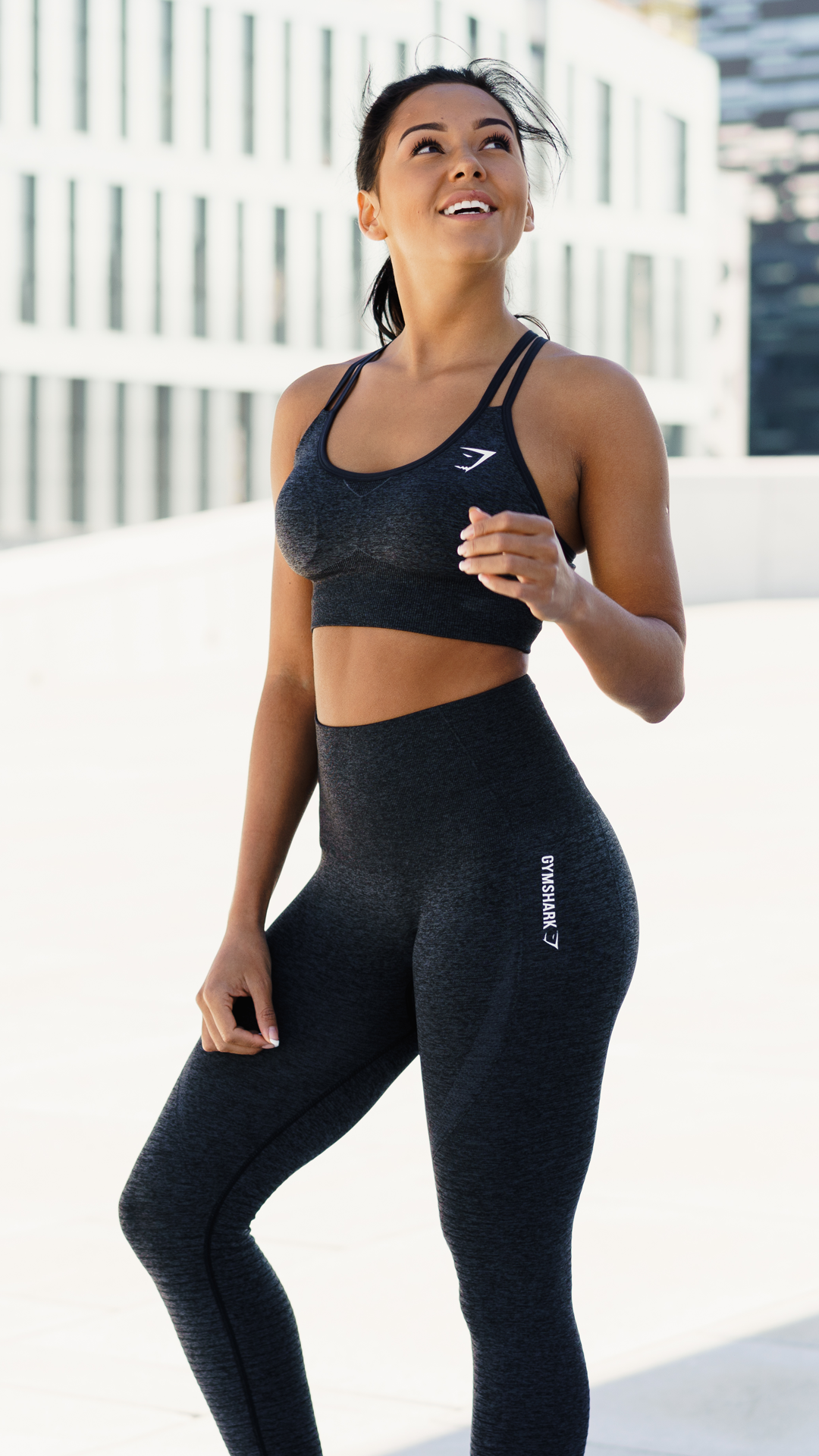 Seamless Evolution Amanda Finnie Rocking The Seamless Crossback Sports Bra And Leggings Basic Summer Outfits Workout Attire Clothes