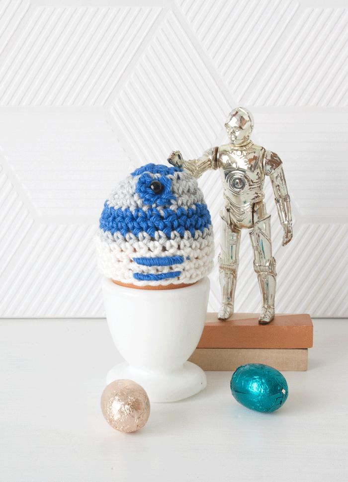 R2D2 Eggwarmer DIY Crochet Pattern | Nerdtopia | Pinterest