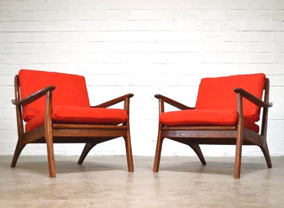 Exceptionnel Pair Of Danish Style Lounge Chairs