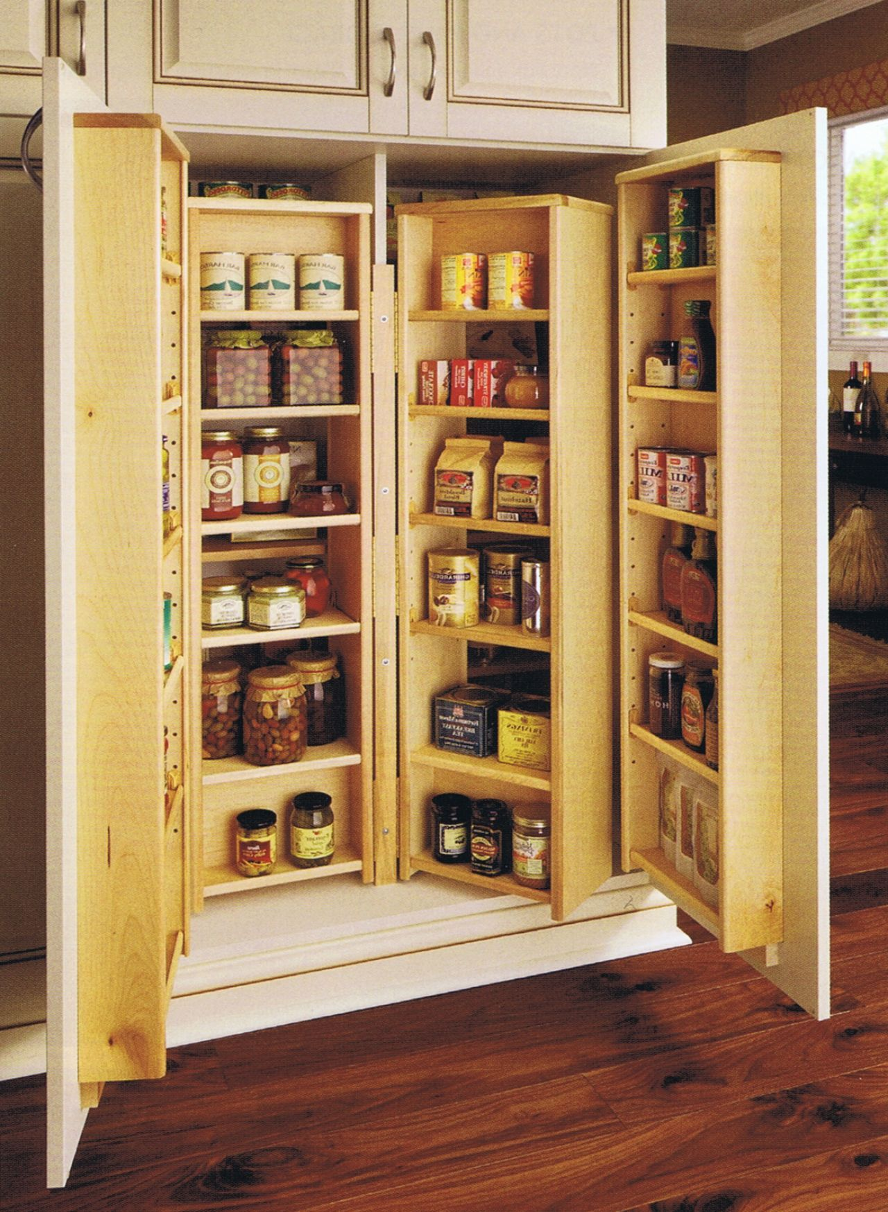 Einfache Speisekammer Schrank Für Die Lagerung Ideen
