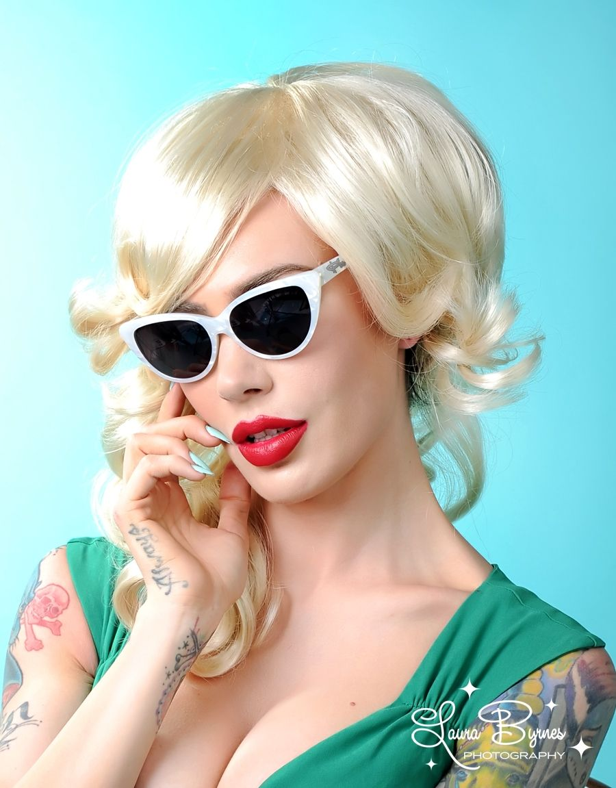 Pinup Couture Ultra Lux Sunglasses in Pearl White