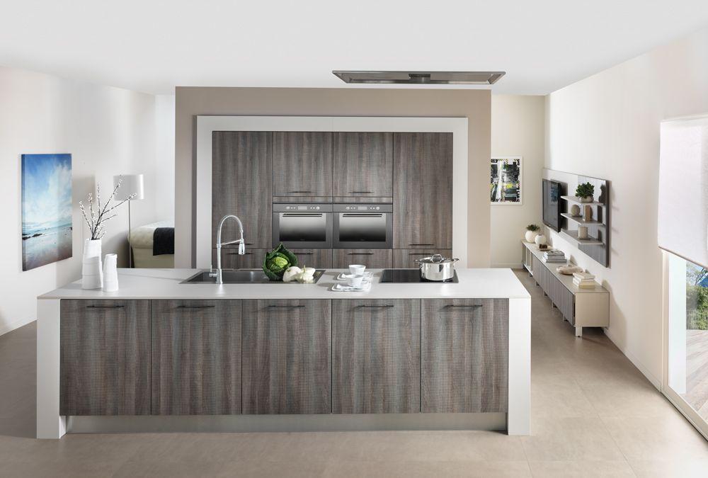 Schmidt keuken met kookeiland en kastenwand in u0027Kilkenny Oak - schmidt salle de bain