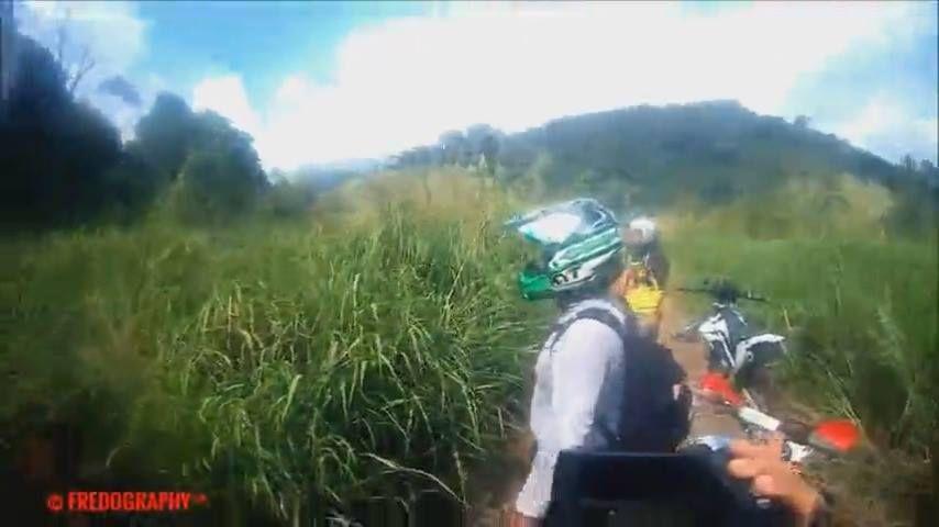 Video Mostra Aparicao De Ser No Meio De Trilha De Motos Confira