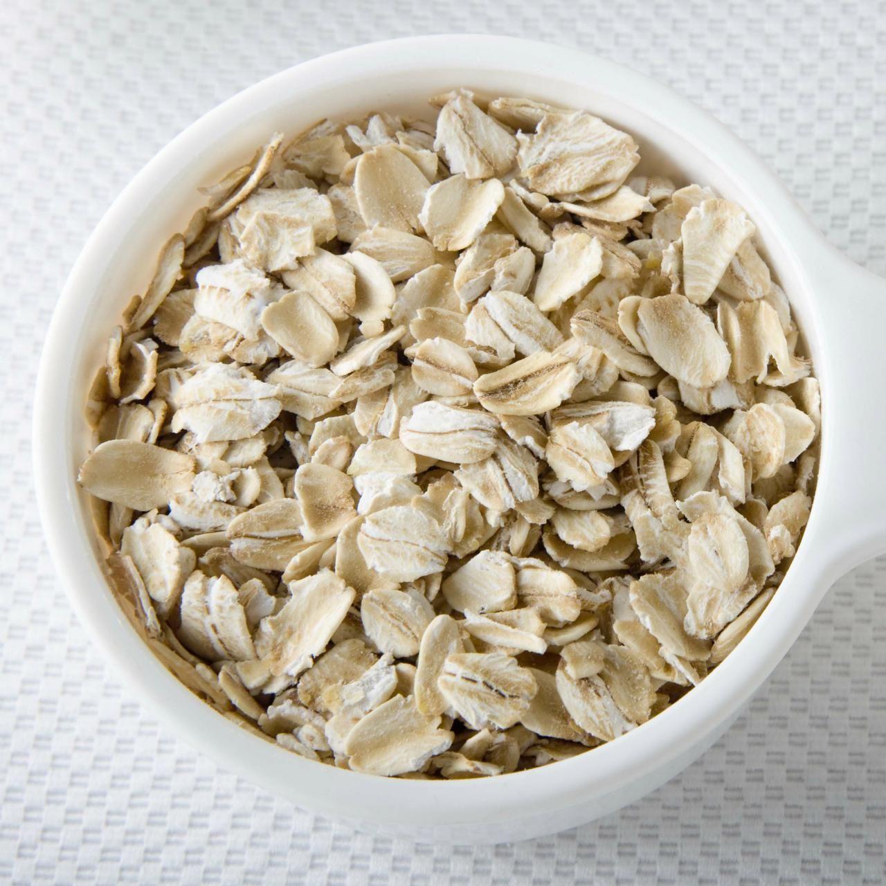 Oatmeal Face Mask Recipes Oatmeal Face Mask Face Masks And Masking