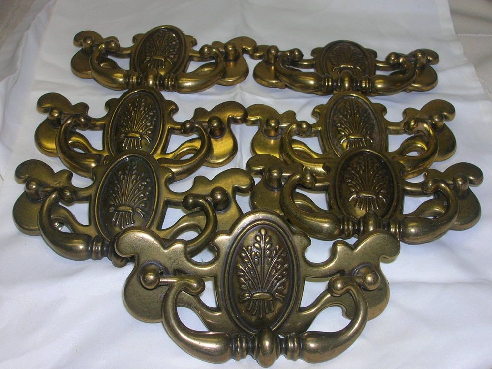 7 vintage 1960 70s drawer pull brass wheat design marked canada 4
