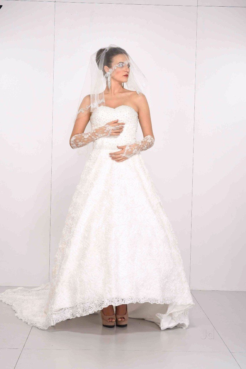 How Much To Dry Clean Wedding Dress Awesome Beautiful Bride Andheri East Wedding Gowns Hire In In 2020 Wedding Dress Cost Wedding Dresses Lace Best Wedding Dresses