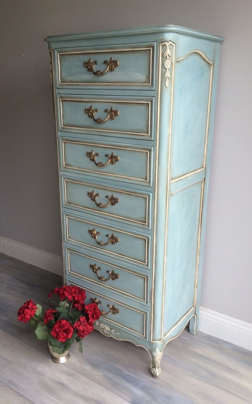 ❤️ French lingerie chest painted a brilliant blue with Annie Sloan Chalk Paint. This beauty is layered in paint; it took about 4 different paint shades to achieve this look. Each drawer is finished with sparkling hardware. 57 tall x 23 wide x 16 deep. ~ $895 by RelovedHomeDesigns (Etsy)
