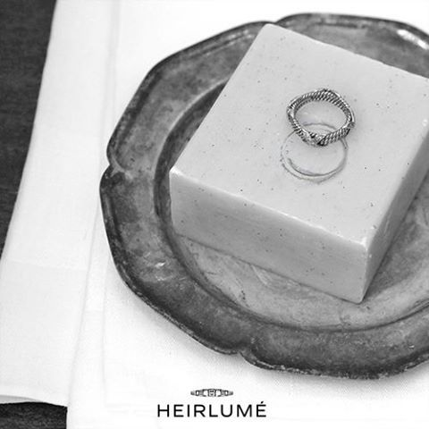 An easy tip on how to secretly find her ring size:  If she wears a ring and takes it off at night, you can quickly find her ring size by pressing it into a small bar of soft soap to leave an imprint, then use the imprint as your measurement #tip #jewelry #ring  #diy
