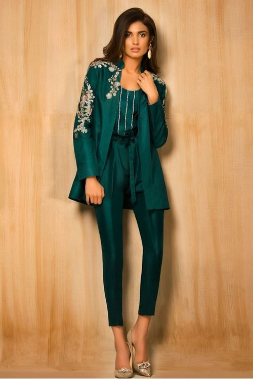 2c8f3a16b3d7 Stylish Pakistani Party Wear Dresses 2017 For Girls In Jacket Style ...