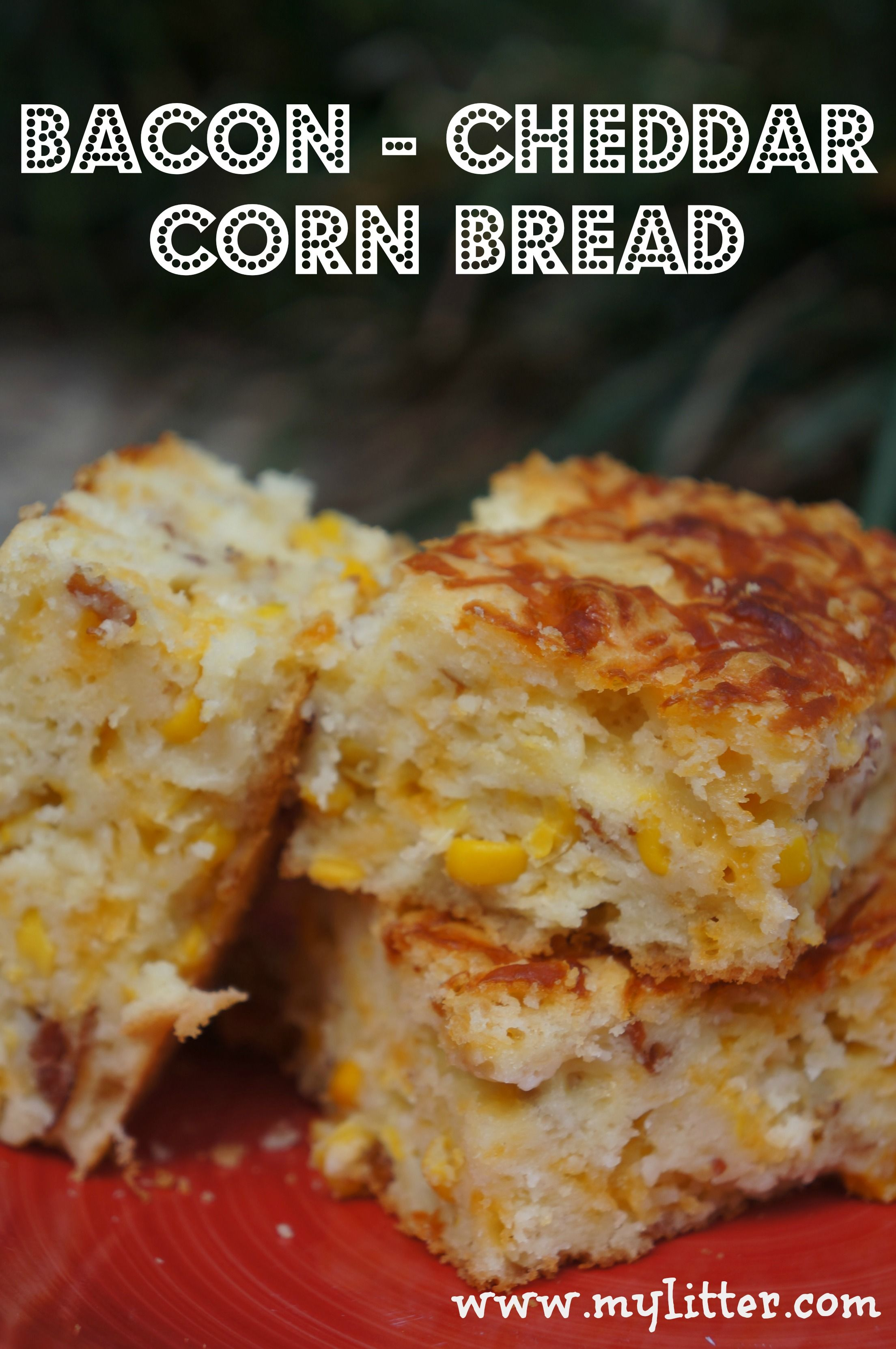 Bacon Cheddar Corn Bread Recipe >> I don't usually like cornbread (I know, I'm Southern, what's wrong with me?? LOL), but this sounds GREAT!!!