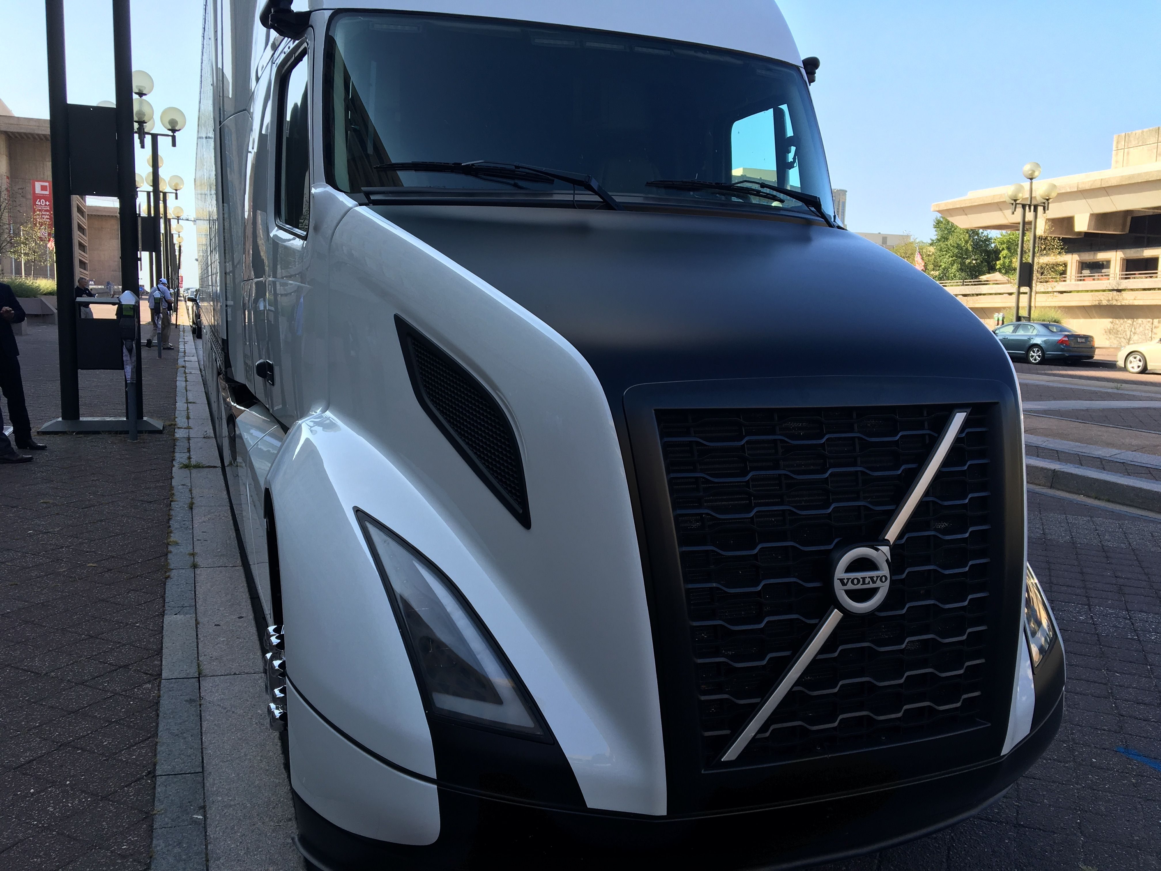 2018 volvo rig. fine rig volvo shows off its supertruck achieves 88 freight efficiency boost for 2018 volvo rig