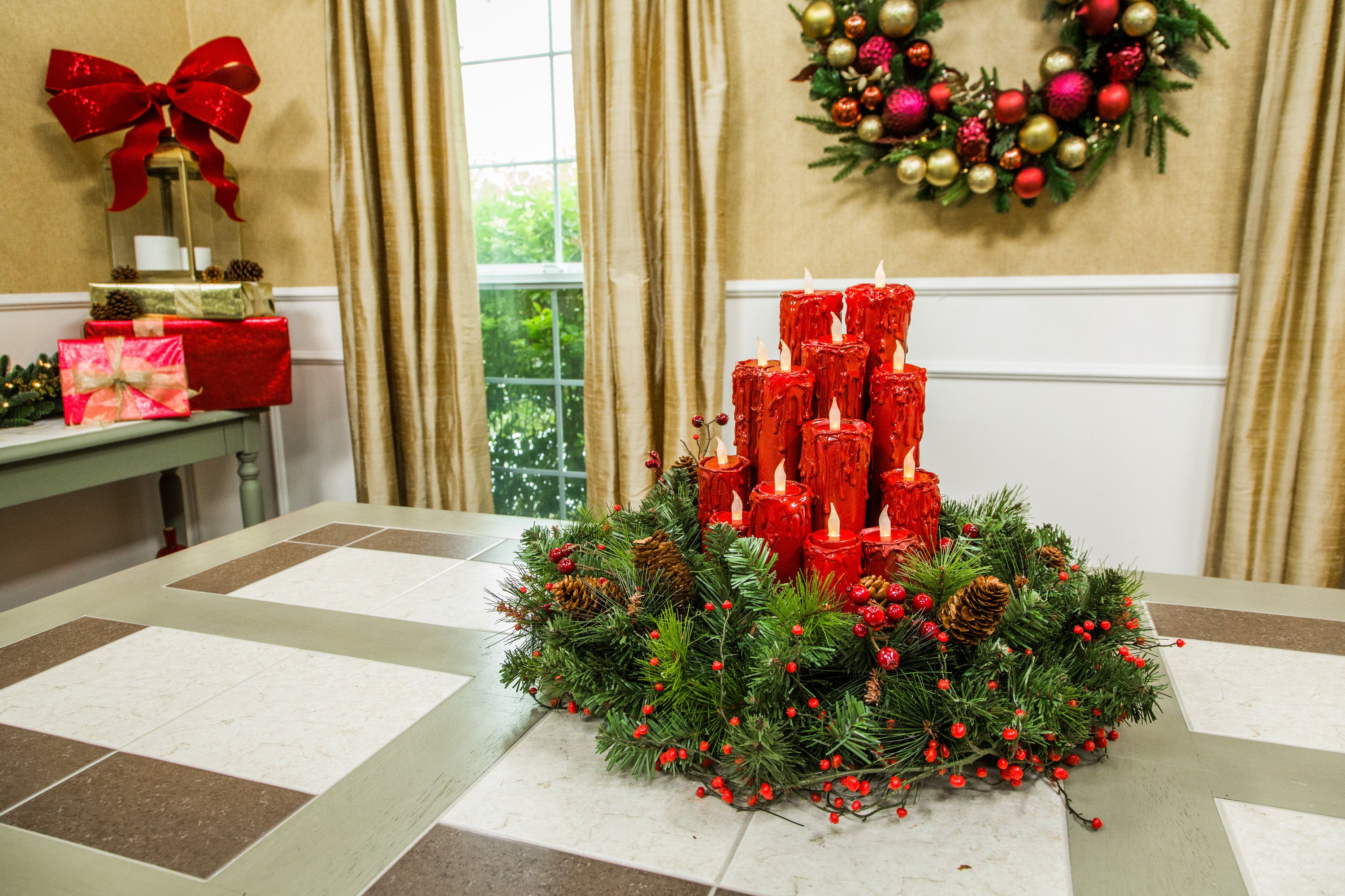 Festive Diy Christmas Candle Centerpiece Will Add Some Cheer To Any