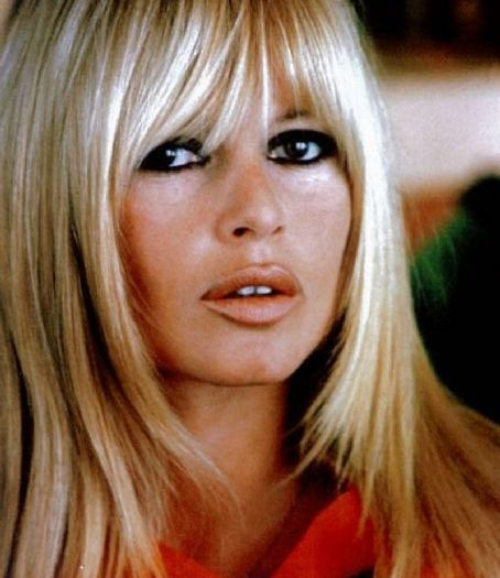 12 Great Looks Claudia Schiffer Took From Brigitte Bardot Lucys Rules Bardot Hair Brigitte Bardot Hair Celebrity Bangs