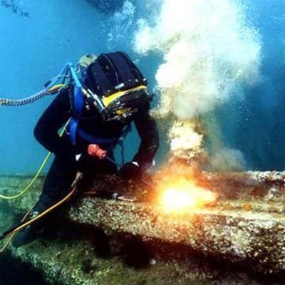 Under Water Welding In Wet Conditions In This Process A Welder Needs Both Diving And Welding Proficiency T Underwater Welding Scuba Diving Tank Scuba Diving