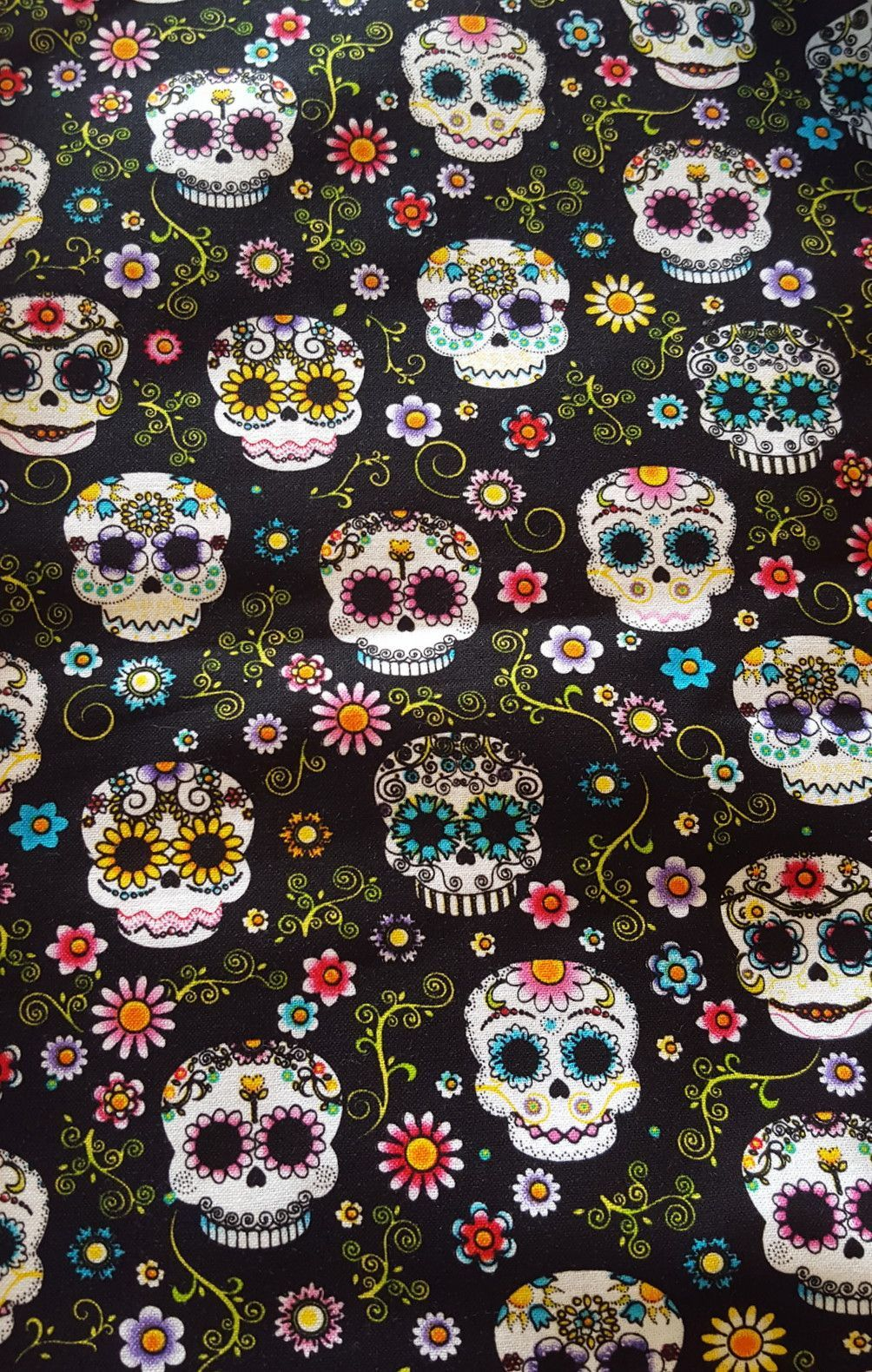 SALE 100/% Cotton Fabric Colourful Candy Skulls Mexican Paisley