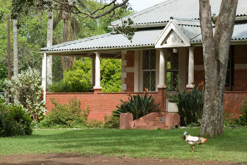 Colonial home durban south africa exteriors for Farm style houses south africa