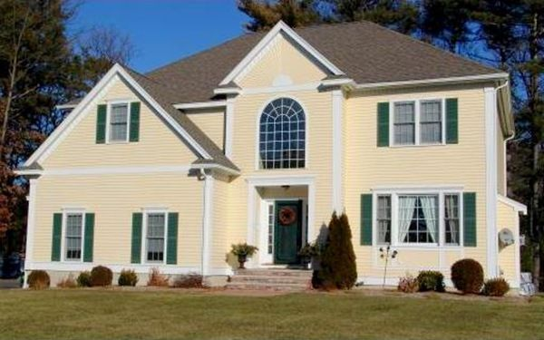 Exterior Colors Montgomery White And Essex Green