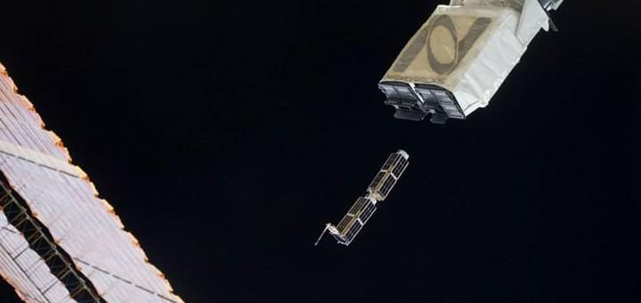 Satellites to Be 3D Printed And Deployed in Orbit! http://3dprint.com/88514/made-in-space-and-nanoracks-sign-deal-to-build-and-deploy-cubesats-in-orbit/…