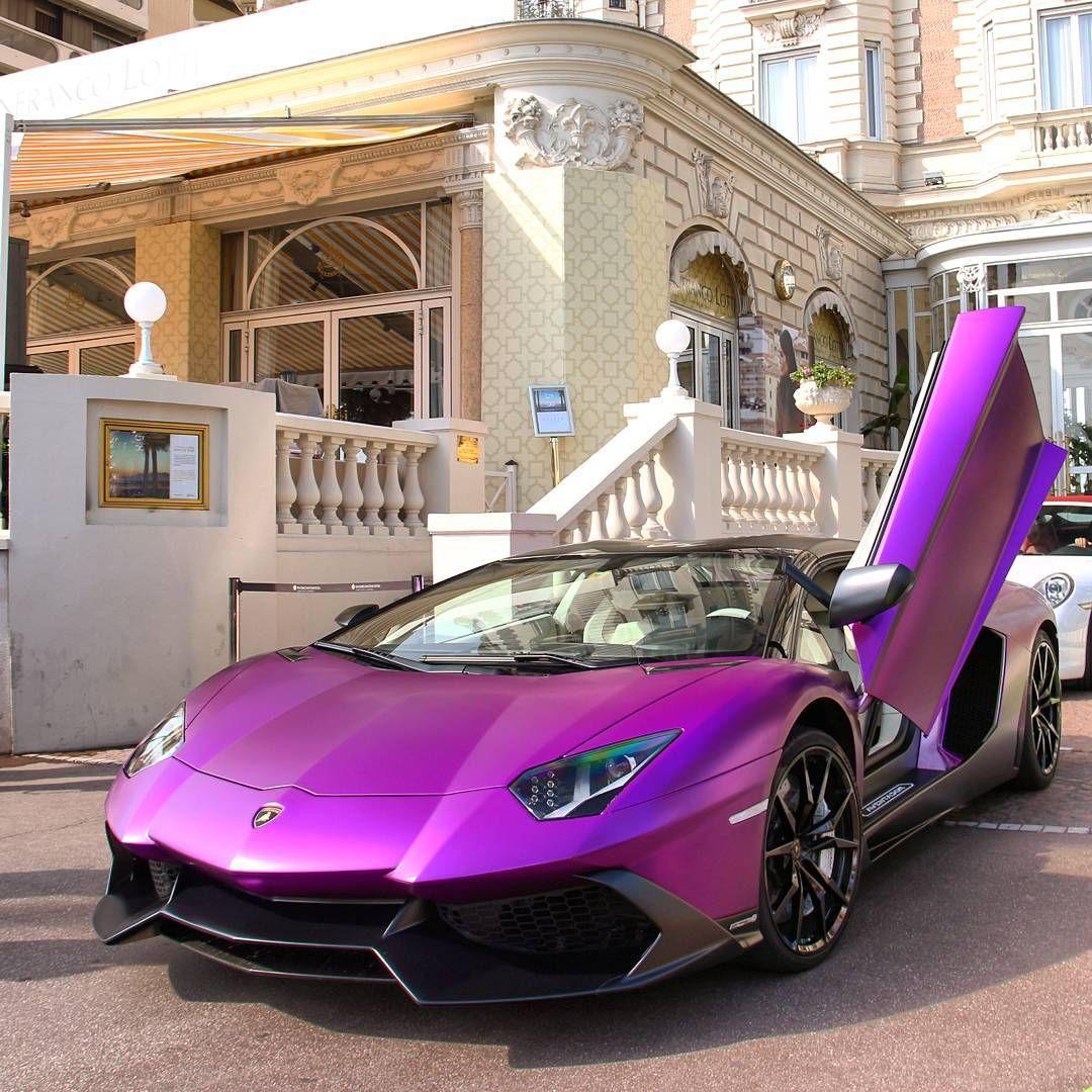Lamborghini With Girls