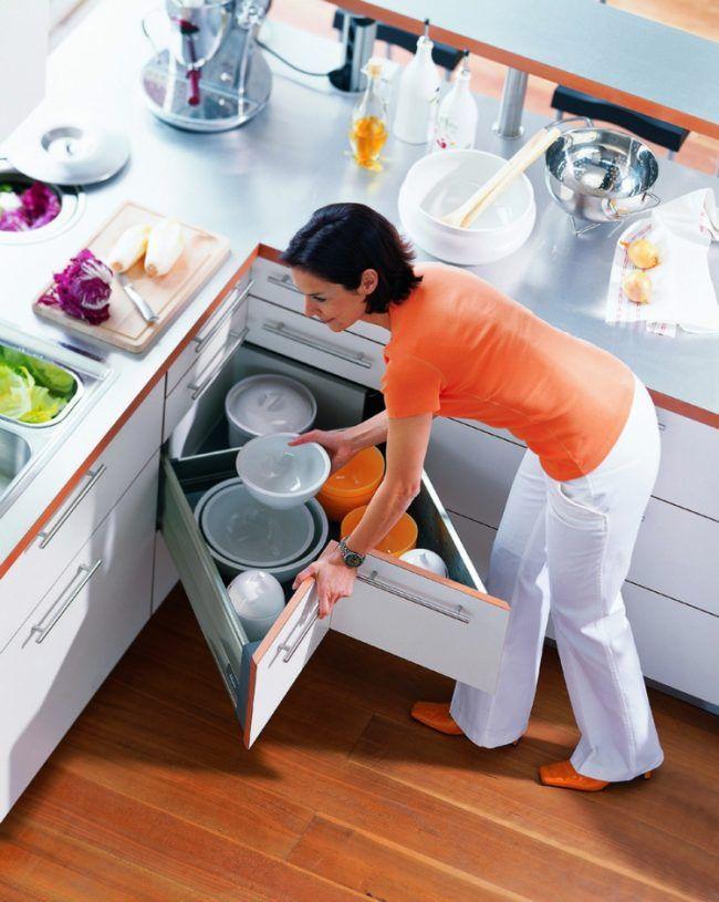 eckschrank der küche schubfach-idee-praktisch-geschirr-weiss ... | {Eckschrank küche 13}