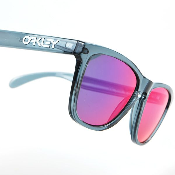 oakley streetwear