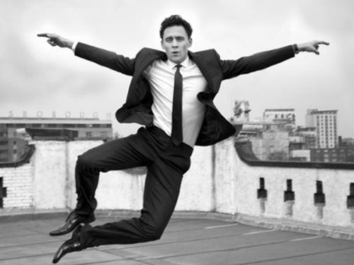 Tom Hiddleston - I'VE FALLEN AND I CAN'T GET UP.