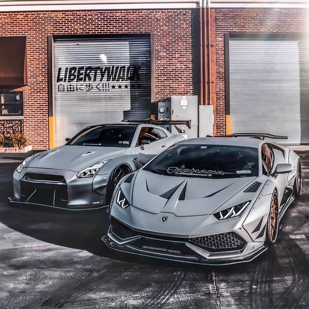 550 Likes 2 Comments Supercars L Exotices L Motors Carssport22 On Instagram Which Smoky You Will Choose Gtr Or Hura Carros De Luxo Lamborguini Carros