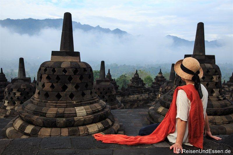 Du möchtest die größte buddhistische Anlage in #Borobudur besichtigen? Ich gebe dir 5 Tipps damit es für dich zu einem einmaligen Erlebnis wird? Du hast noch weitere Tipps. Dann schreibe sie mir.
