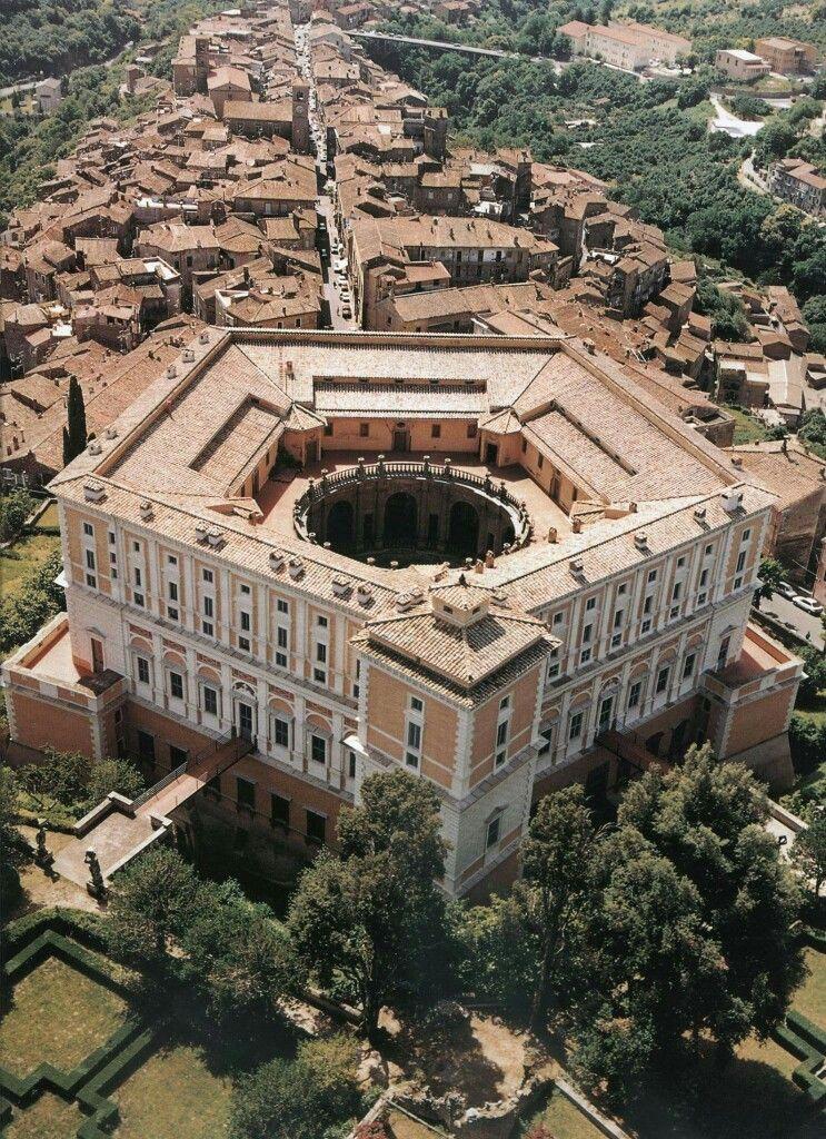Caprarola vt palazzo farnese italien pinterest for Klassische architektur