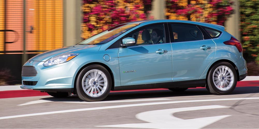 2017 Ford Focus Electric Gets The 46 Battery Capacity Increase Https Carsintrend Com 2017 Ford Focus Elec Ford Focus Electric Ford Focus Ford Electric Car
