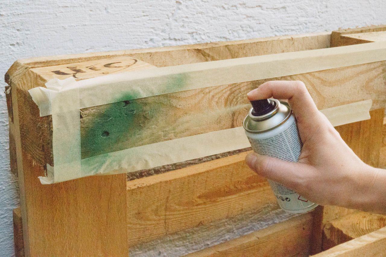 Terrasse & Balkon: DIY Paletten-Kräuterregal #palettendeko