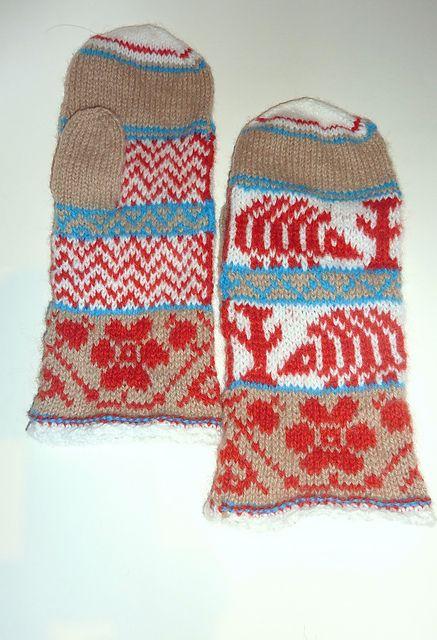 Ravelry: Igelkott pattern by Solveig Larsson.   My Swedish isn't that good.... is it a hedgehog?